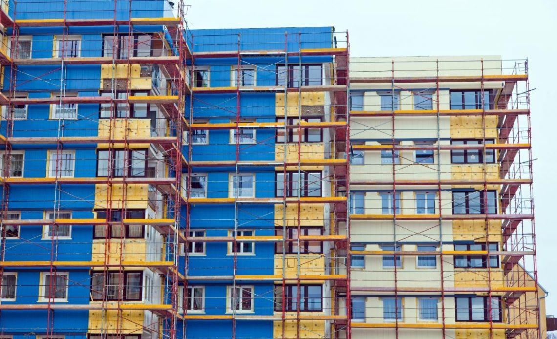 Дом вводится поэтапно, а оплачивать капремонт всем жителям надо одновременно?