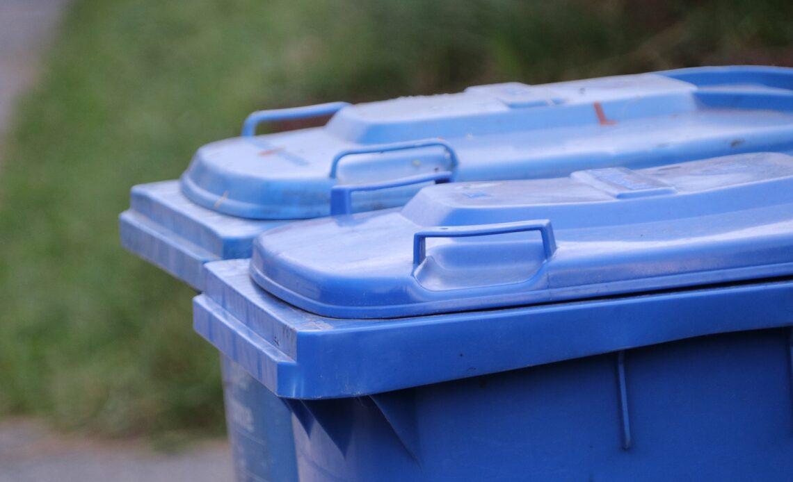 Кто отвечает за уборку мусорных площадок?